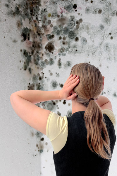 Humidité d'une maison mal ventilée